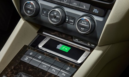 160219 SKODA Mobile Phone Wireless Charging