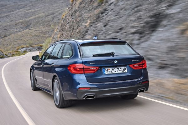 P90245014_lowRes_the-new-bmw-5-series