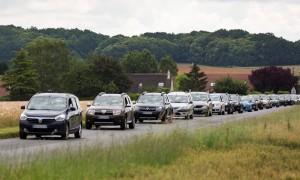 Dacia_80008_global_fr