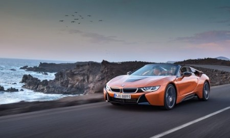P90285377_lowRes_the-new-bmw-i8-roads