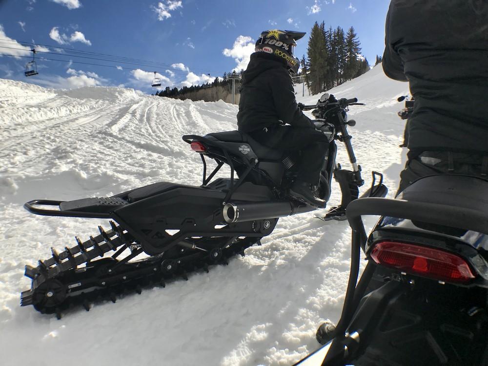 Harley na sněhu3