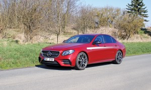 Mercedes E (3) velká