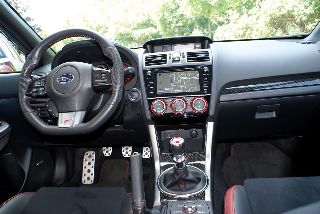 Subaru STI (11)