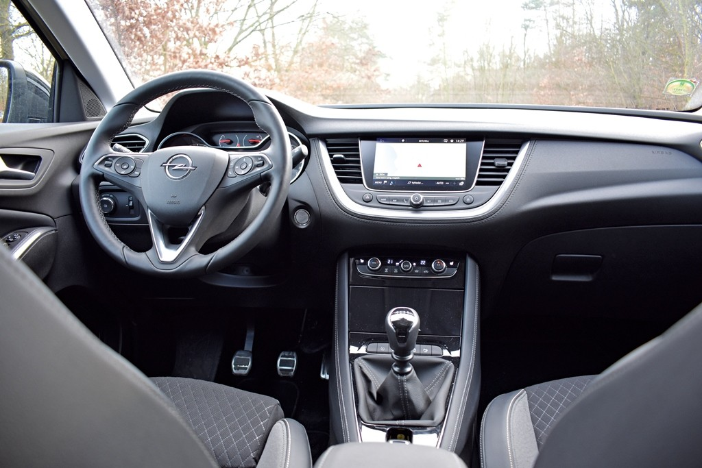 Opel Grandland X (2)