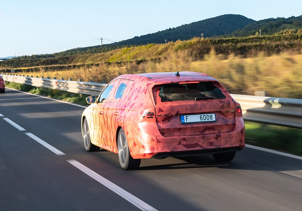 SKODA_OCTAVIA_Covered_Drive-2