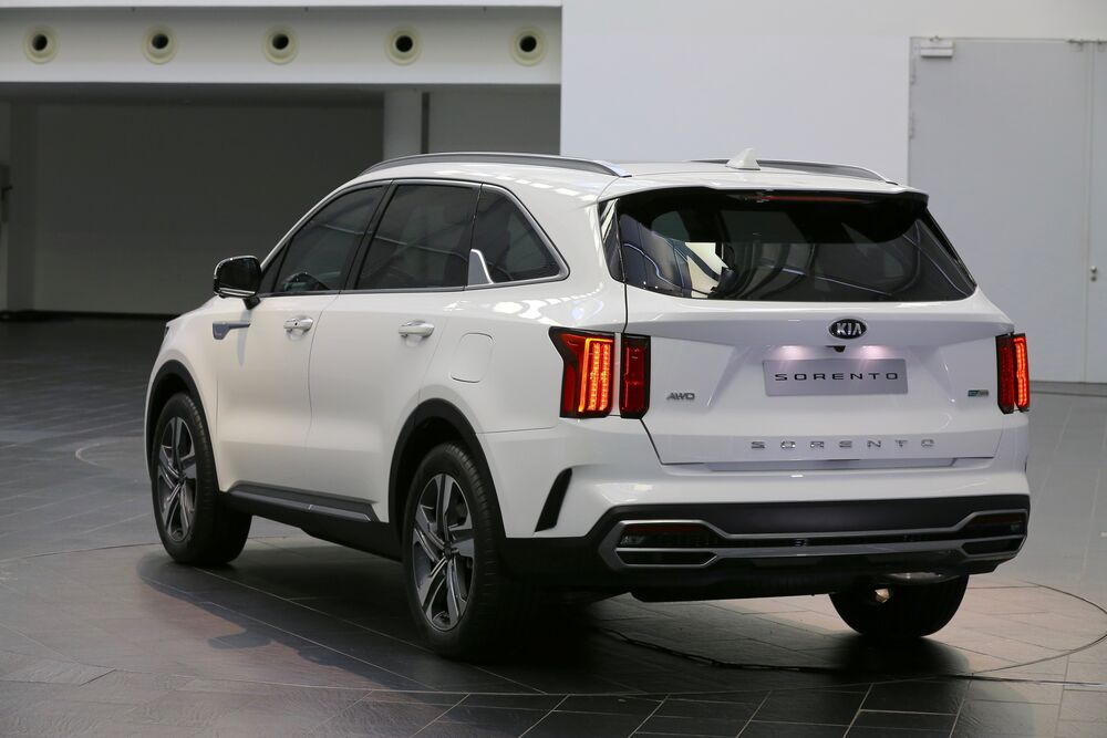 Medium-14277-All-NewKiaSorentoEuropeanSpecification