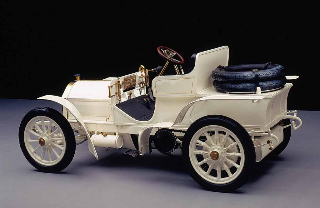 """Die Zukunft des Automobils beginnt mit der """"Ära Mercédès"""" The future of the automobile began with the """"Mercédès era"""""""