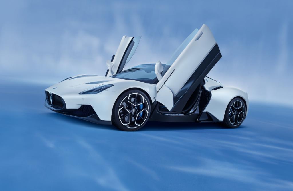02_Maserati_MC20