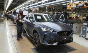 CUPRA-kicks-off-production-of-the-new-Formentor_07_small