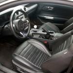 Ford mustang interier velka