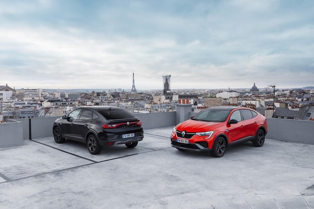 1-2021 - Essais presse Renault ARKANA - Metallic Black et Orange Valencia