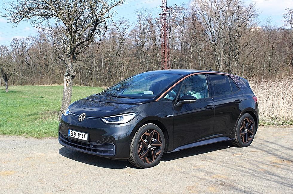 I.D. 3 Pro S 150 kW - ukazoval dojezd 480 km při převzetí, spotřeba po týdnu testování 13,6-17,8 kWh/100 km.