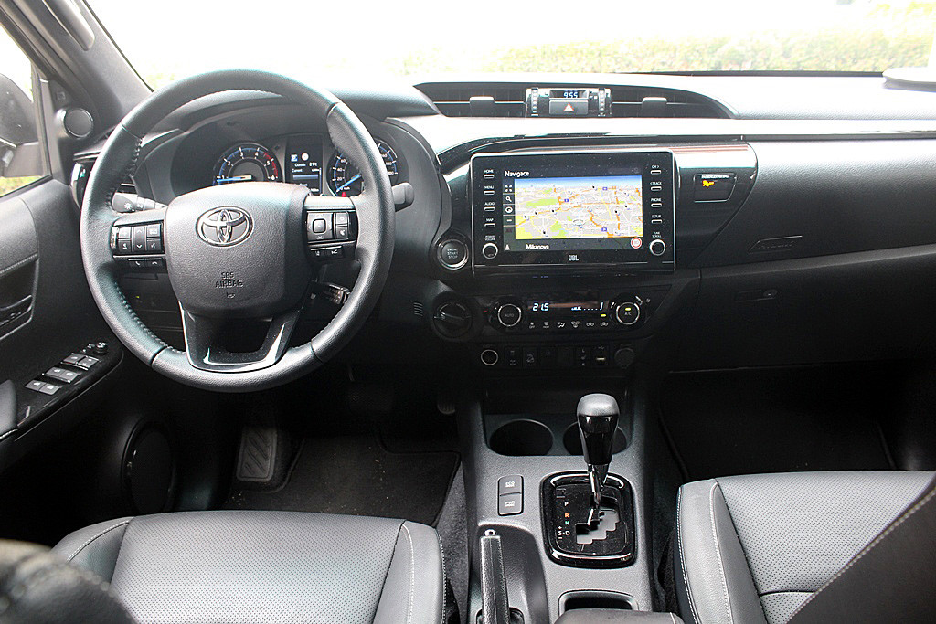 Toyota Hilux (5)