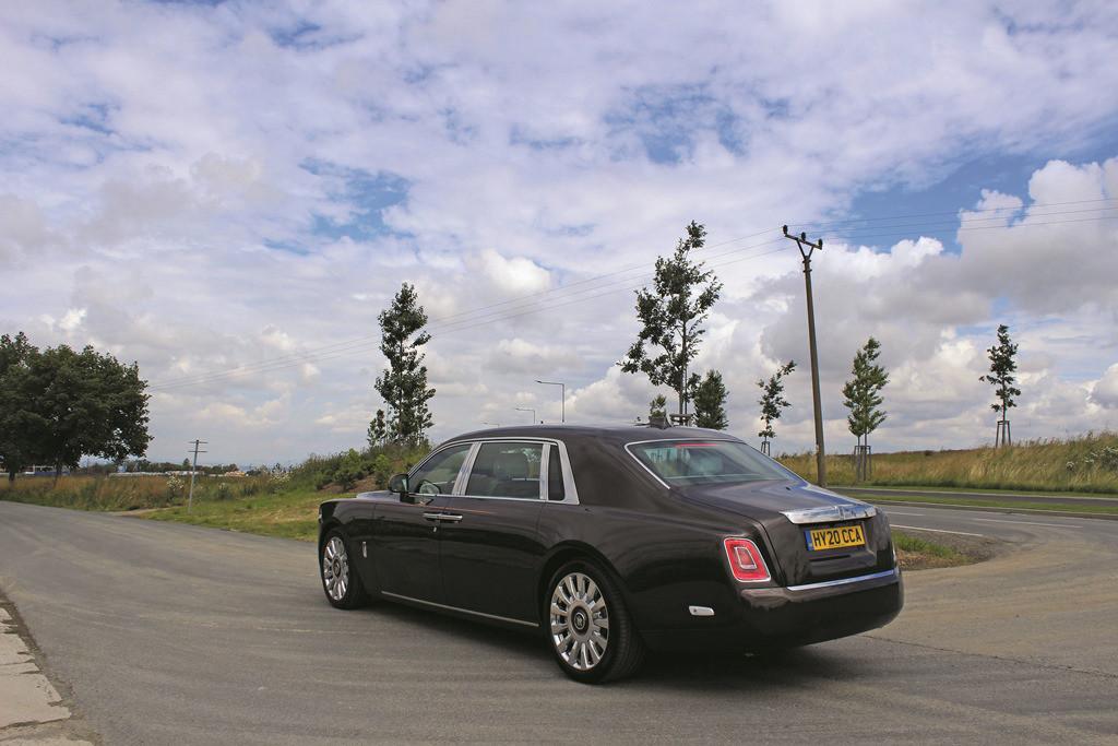 Rolls-Royce Phantom (5)
