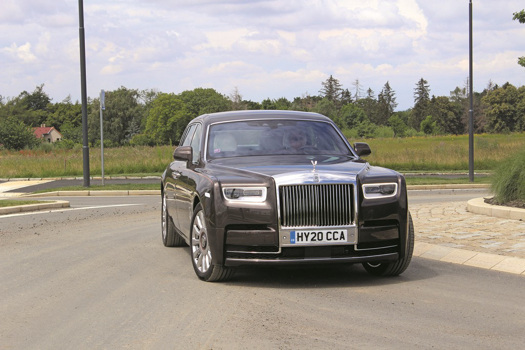 Rolls-Royce Phantom (7)