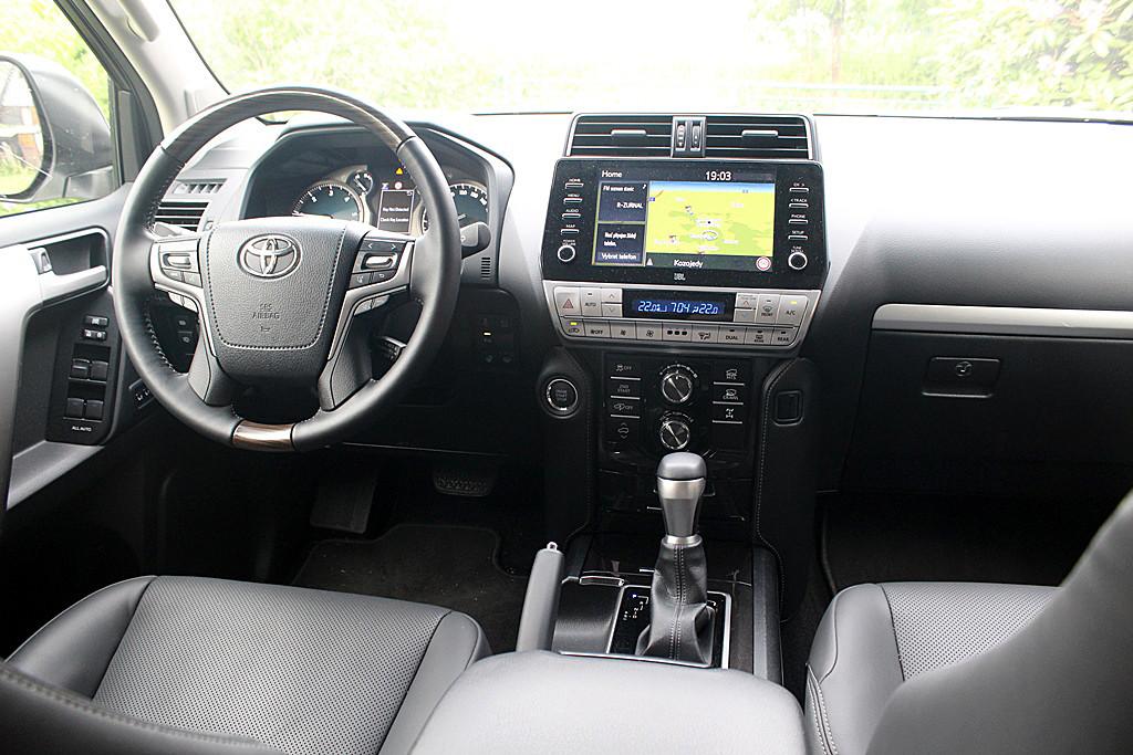 Toyota Land Cruiser (9)